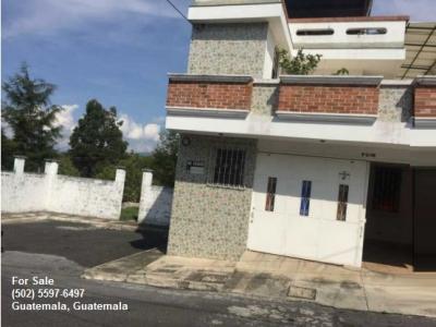 Amplia casa de esquina en Residencial Los Olivos zona 18