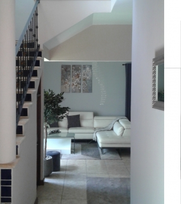 zona 10 alquilo casa 2 niveles, amplia, segura, tranquilidad.