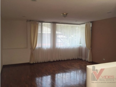 Alquiler / Renta - Casa 3 habitaciones - Zona 15 - $1,500