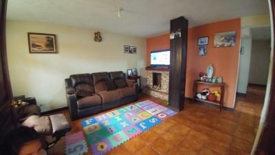 Vendo casa en Hacienda Real, zona 16