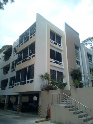 Apartamentos amplios en Edificio Besalú zona 16 Kanajuyu 2,