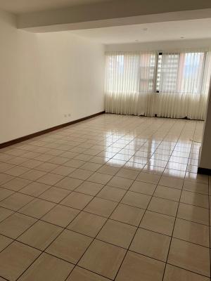 Rento Apartamento Amplio en zona 14