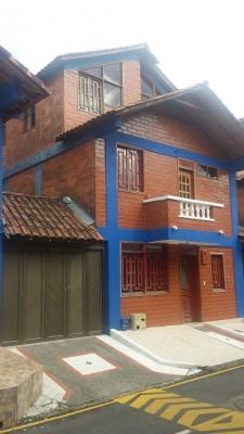 Casa duplex en Quintas de Jardin Colonial Dosquebradas