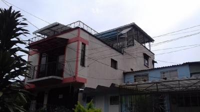 Casa 2 plantas independientes con doble terraza.