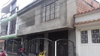 Vendo casa duplex cerca a Colegio Barrio la Pradera Dosquebradas