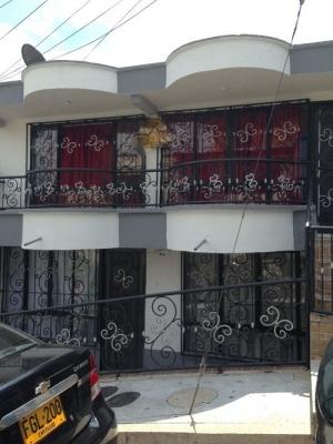 Vendo casa grande 2 plantas independientes Barrio Cuba