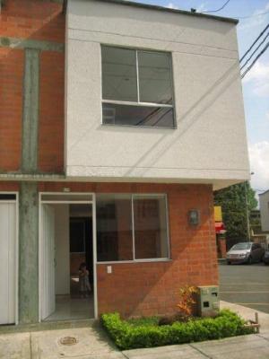 Vendo casa duplex economica en conjunto cerrado