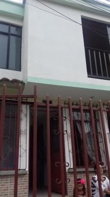 Vendo casa 2 plantas peatonal sector tranquilo Barrio El Poblado 2