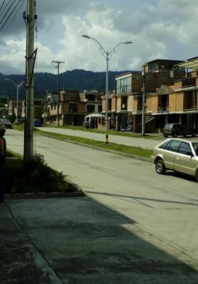 Vendo casa 3 niveles en Dosquebradas buen barrio