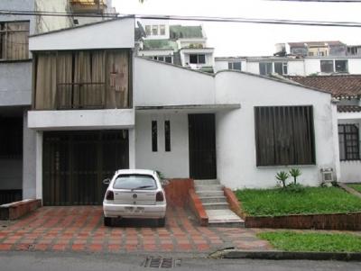 Vendo casa duplex grande Barrio Maraya cerca a Colegios