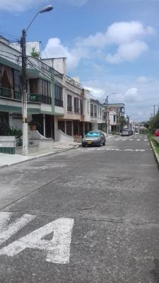 Vendo casa 2 plantas independientes con terraza en Corales