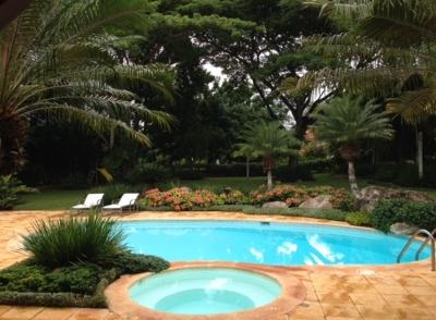 Exclusiva Villa Lago W.