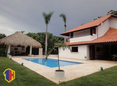 Confortable villa de lujo con piscina en casa de campo