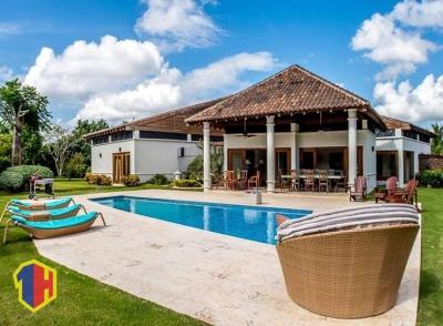 Villa de Lujo en casa de campo con Piscina Grande