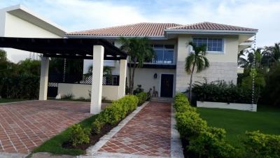 Casa - Venta BAVARO / US$550,000°° / 370m2
