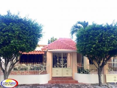 Casa Grande y Buena de Venta en Higuey CV-102