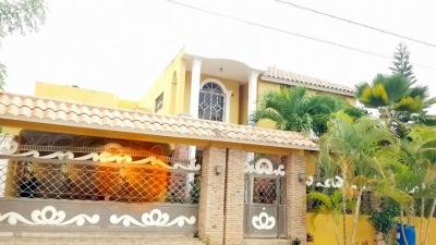 Casa 2 Niveles en Venta en Higuey, República Dominicana