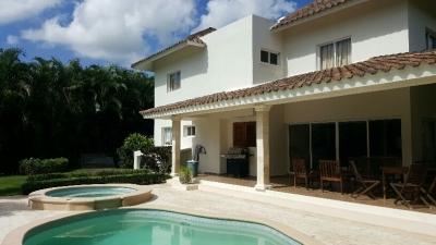 Oportunidad Villa de 4 hab en Guavaberry / Juan Dolio