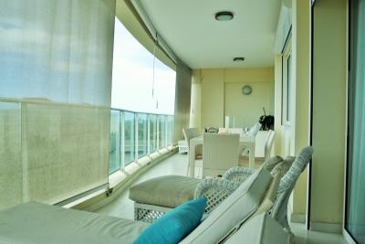 Apartamento Amueblado, Club Hemingway