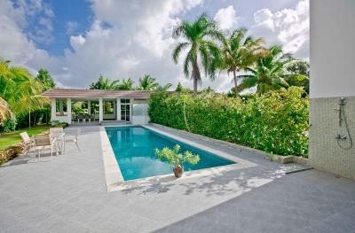 Hermosa villa dúplex con piscina privada y vista al campo de golf