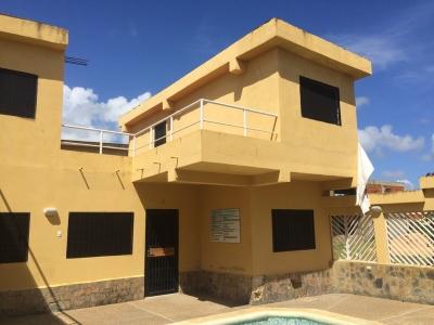 Townhouse de oportunidad en Conjunto Residencial El Placer en Chichiriviche. Falcón.