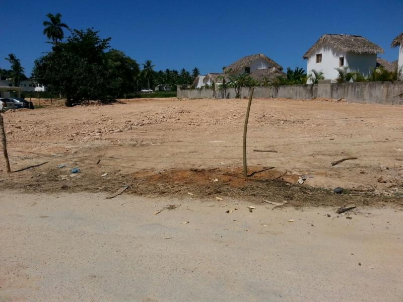 Ultimo terreno en esta zona, deslindado. Alta densidad de construcción