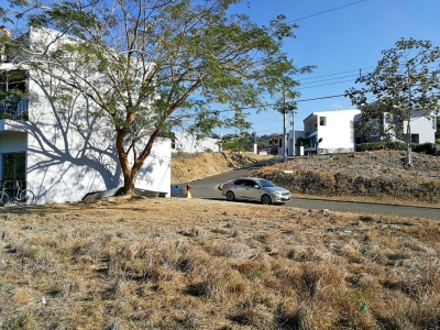 Lote de 258 m2 en Condominio Villa Leona, Punta Leona
