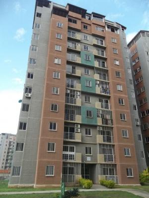 Apartamento en urb Montemayor, excelente precio
