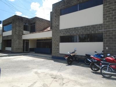 RENTA EDIFICIO COMERCIAL EN SALIDA AL ATLÁNTICO KM 5.5 ZONA 17