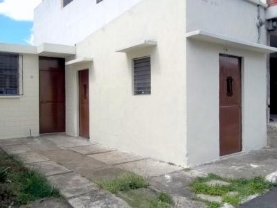 Casa dentro de garita  de 2 Hab. En Venta en Valles de Sevilla Ciudad San Cristóbal