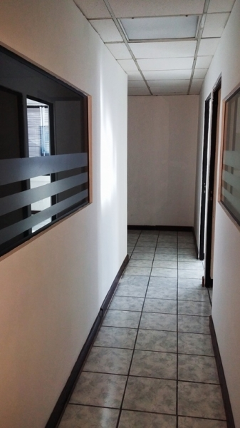 Oficina disponible 146 m2 ed topacio azul zona10 for Oficina zona azul ibiza