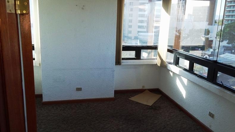 oficina en renta 160mts2 ed topacio azul zona 10