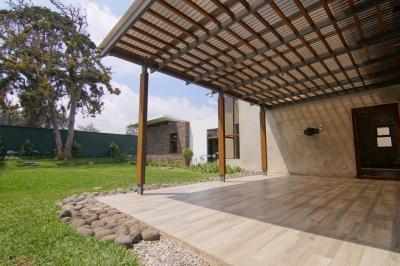 Casa en venta Km 16.5 Carretera a El Salvador