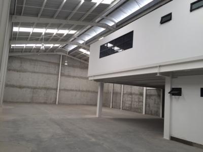 Bodega de 488 m², Centro de Negocios La Paz, Zona 17