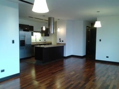 Apartamento en zona 15