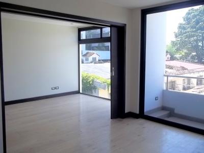 Apartamento de 1 habitación en venta zona 15