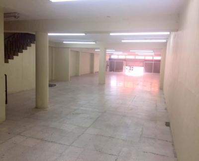 Edificio de 940.5 m2 en Renta Zona 1. A media cuadra del parque central