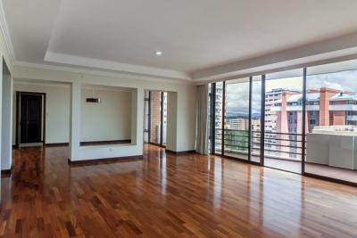 Vendo apartamento en Casa Rialto. Zona 14.