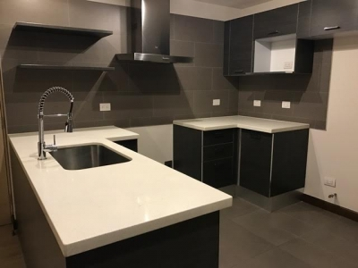Vendo apartamento con 3 dormitorios en Zona 10