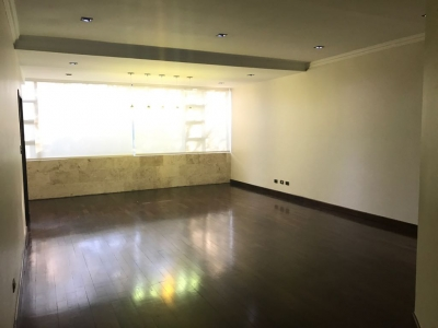 Bello Apartamento Remodelado en Venta Zona 14