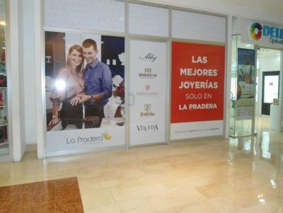 Renta de local en Centro Comercial de la zona 10