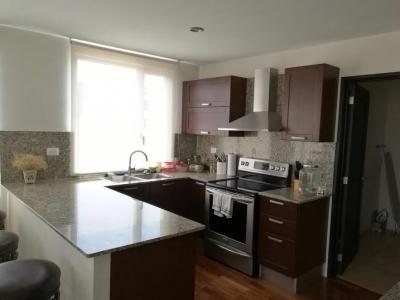 Apartamento con 2 habitaciones en venta en Zona 10
