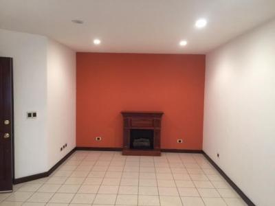 Rento apartamento con 2 habitaciones en Zona 15