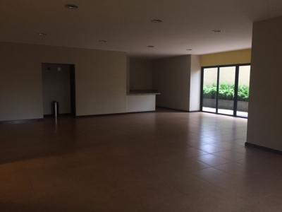 Apartamento de 3 dormitorios en zona 14