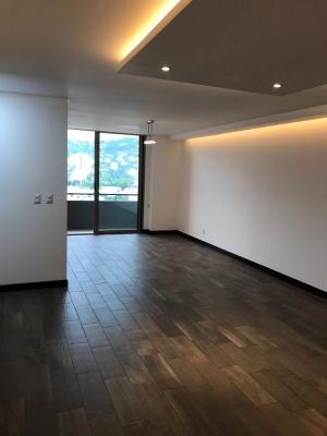 Alquilo apartamento NUEVO en zona 10.   3 dormitorios.