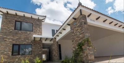 Hermosa casa de venta ubicada en zona 16 / COINMSA