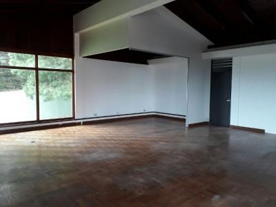 Casa para oficina en San Lázaro / 12 ambientes