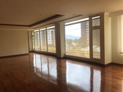 Vendo Amplio Apartamento en Zona 14 $450,000.00