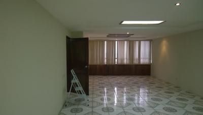 Alquilo Oficina en Edificio Geminis 10