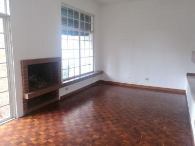 Rento Casa en zona 14 a una Cuadra de Av. Las Américas